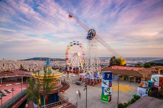 парк развлечений в Барселоне